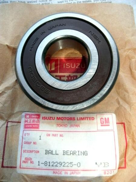 New Listing2 - ISUZU 1-81229225-0 / NSK 6305DU Sealed Ball Bearings